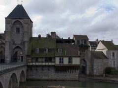 Pont de Moret - English:  Gate and doorway of Paris and the postern of the Street of Fisheries.