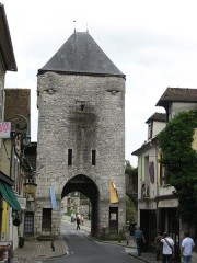 Portes de Paris et de Bourgogne - Nederlands: Een poort  in Moret-sur-Loing