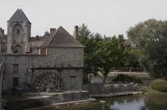 Portes de Paris et de Bourgogne - English:  Tanbark watermill.