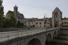 Portes de Paris et de Bourgogne -  Pont de Moret.