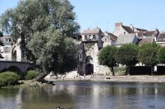 Poterne - Deutsch: Stadtbefestigung in Moret-sur-Loing im Département Seine-et-Marne (Île-de-France)