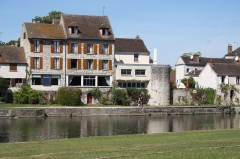 Remparts - Deutsch: Stadtbefestigung in Moret-sur-Loing im Département Seine-et-Marne (Île-de-France)