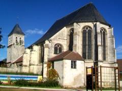 Eglise Saint-Martin - Français:   Vue d\'ensemble depuis l\'est.