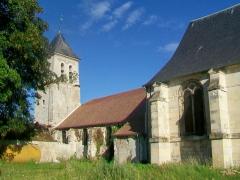 Eglise Saint-Martin - Français:   La nef basse et le clocher, depuis le sud-est.