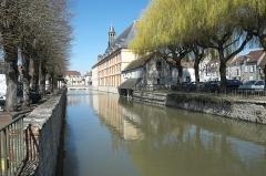 Hospice - Deutsch: Rathaus in Nemours im Département Seine-et-Marne (Île-de-France/Frankreich)