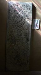 Eglise Saint-Clair-Saint-Léger - Deutsch: Katholische Pfarrkirche Saint-Clair-Saint-Léger in Souppes-sur-Loing im Département Seine-et-Marne in der Region Île-de-France (Frankreich), Grabplatte für François Brulart, aus dem 17. Jahrhundert