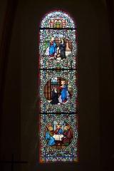 Eglise Saint-Amand - Deutsch: Bleiglasfenster in der katholischn Pfarrkirche Saint-Amand in Thomery im Département Seine-et-Marne (Île-de-France), Darstellung: Jesus