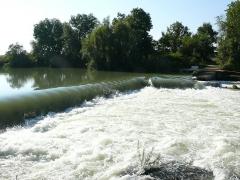 Usine élévatoire des eaux -  Usine élévatoire de Trilbardou (Seine-et-Marne - Île-de-France - France): Barrage sur la Marne