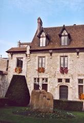 Ancienne maison Clément, actuellement hôtel de ville -  France Seine-et-Marne Moret-sur-Loing  Seine-et-Marne