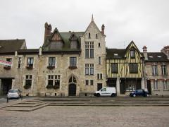Ancienne maison Clément, actuellement hôtel de ville -  Moret sur Loing