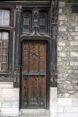 Maison Raccolet - English:  Doorway to the Racollet's House.