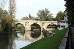 Pont sur la Seine (également sur commune de Poissy) -  Ancien pont - Yvelines (France)