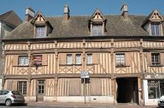 Hôtel du Lys - Deutsch: Hôtel du Lys in Houdan im Département Yvelines (Île-de-France/Frankreich)