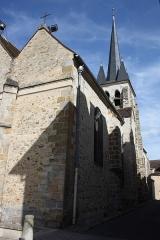 Eglise Saint-Martin - Deutsch: Katholische Pfarrkirche Saint-Martin in Jouy-en-Josas im Département Yvelines in der Region Île-de-France (Frankreich)