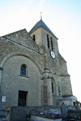 Eglise et croix de cimetière -  Église de Lainville-en-Vexin - Yvelines (France)