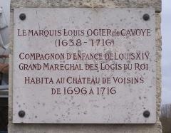 Château de Voisins -  Plaque commémorative de Louis Oger de Cavoye au château de Voisins à Louveciennes (Yvelines, France)