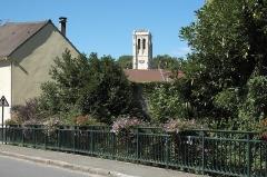 Eglise Saint-Nicolas - Deutsch: Katholische Kirche Saint-Nicolas in Maule im Département Yvelines (Île-de-France/Frankreich), Glockenturm