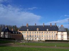 Château - Français:   Château des Mesnuls (Yvelines, France)