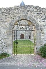 Eglise Sainte-Marie-Madeleine -  Nef détruite de l'église de Montchauvet (Yvelines, France)