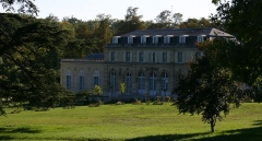 Château du Val - English: Le château du Val à Saint-Germain-en-Laye (Yvelines, France) vu depuis son parc