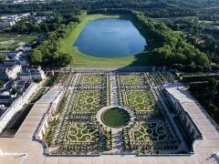 Domaine national : ancien Hôtel du Grand Contrôle - English: Aerial view of the Domain of Versailles, France