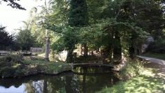 Abbaye de Joyenval - Français:   L\'abbaye de Joyenval est une ancienne abbaye desservie par les Prémontrés, qui se trouvait dans la forêt de Marly, dans le territoire de la commune actuelle de Chambourcy (département des Yvelines).