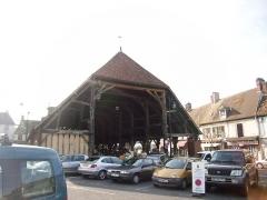 Halles -  Façade Est de la grande halle d'Arpajon (91)