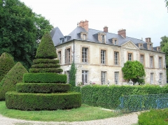 Château du Grand-Saussay - English: Castle in Saussay, Essonne, France. Built in 1328, modified in 1789.