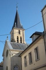 Eglise Saint-Médard - Deutsch: Katholische Pfarrkirche Saint-Médard in Brunoy im Département Essonne (Île-de-France/Frankreich)
