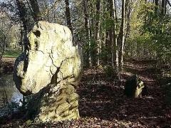 Menhirs de la propriété Talma, dits la femme et la fille de Loth -  La femme et la fille de Loth, megalith, Brunoy