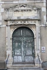 Hôtel-Dieu, actuellement centre hospitalier - Français:   Chapelle de l\'Hôtel-Dieu d\'Étampes.