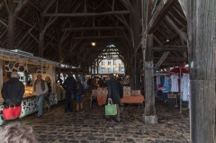 Halle - English:  At Milly, the market is Thursday.