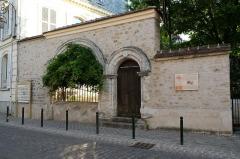 Moutier de Péronne - Deutsch: Portal in Milly-la-Forêt im Département Essonne der Region Île-de-France (Frankreich)