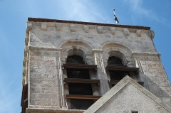 Eglise - Deutsch: Katholische Pfarrkirche Saint-Germain in Saclas im Département Essonne (Île-de-France/Frankreich), Turm mit Klangarkaden