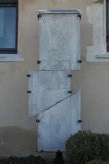 Abbaye Notre-Dame - Deutsch: Ehemalige Abtei, Abbaye Notre-Dame, in Yerres im Département Essonne (Île-de-France/Frankreich), Grabplatte