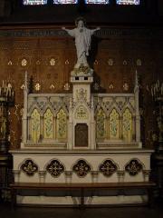 Eglise Notre-Dame-des-Menus - English: Notre-Dame de Boulogne catholic church, in Boulogne-Billancourt, Hauts-de-Seine, France. Sacred-Heart's altar.