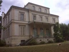 Domaine de Bellevue : ancien château - Vue 2009 de la maison construite par l'architecte François Guenepin, au 62 route des Gardes.