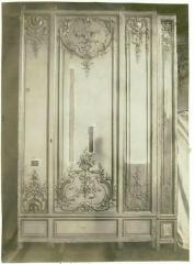 Domaine de Bellevue : ancien château - Français:   Panneaux boisés et dorés provenant du cabinet doré