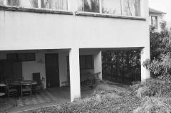 Villa Van Doesburg - Nederlands: Van Doesburghuis: achtergevel met overdekt terras