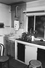 Villa Van Doesburg - Nederlands: Van Doesburghuis: keuken met aanrechtblok