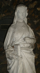 Cathédrale Sainte-Geneviève - Saint-Maurice - English: A statue of St; Genevieve, in Nanterre, Hauts-de-Seine, France.