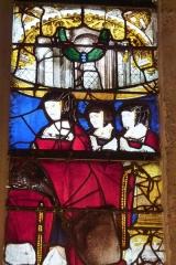 Eglise Notre-Dame-de-la-Pitié - Deutsch: Bleiglasfenster (Ausschnitt) in der katholischen Kirche Notre-Dame-de-Pitié in Puteaux, Stifterin mit Töchtern