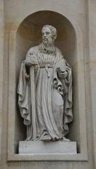 Eglise Saint-Pierre-Saint-Paul - English: A statue of Saint Paul on the façade of St. Peter's and Saint Paul's church, in Rueil-Malmaison, Hauts-de-Seine, France.