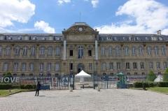 Domaine national de Saint-Cloud : ancienne école nationale de céramique -  Musée de la Céramique @ Sèvres