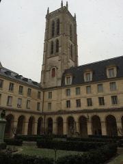 Ancienne abbaye Sainte-Geneviève, actuel lycée Henri IV - cloître du lycée Henri IV