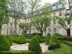 Ancien couvent des Dames Bénédictines du Saint-Sacrement - Français:   Couvent des Dames des Bénédictines du Saint-Sacrement cour intérieure