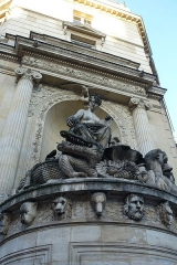 Fontaine Cuvier -  Crocodile @ Cuvier Fountain @ Paris  Fontaine Cuvier, Paris, France.