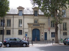 Ancien hôtel de Miramion, ancien musée de l'Assistance publique - English: View of the Hôtel de Miramion, actually the museum of the hospitals (Musée de l'Assistance publique), at Quai de la Tournelle in Paris, France.
