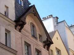 Maison, dite maison des trois porcelets - English: Details of the wood-roof of a Middle-Age building at rue Galande in Paris