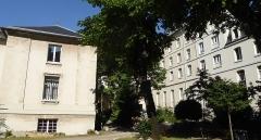 Immeuble - Français:   Rue Lhomond 28-30 congrégation du Saint-Esprit Cour 2